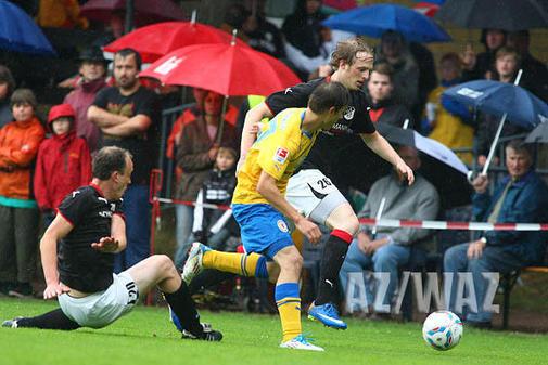 Eintrach in Hillerse: Braunschweigs Zweitligist siegt im Testspiel souverän mit einem 8:1 gegen den TSV Hillerse.