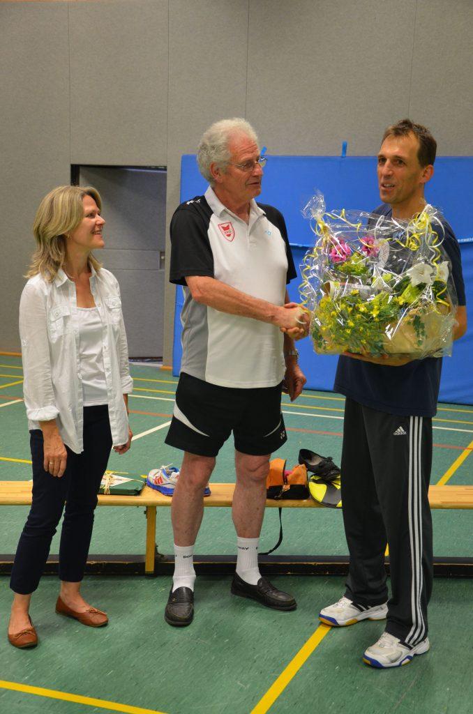 Im Juli 2014 wurde der langjährige Jugendtrainer Rainer Zwiauer (mitte) von unserer Ex-Vorsitzenden Ingrid Adamczyk und dem neuen Spartenvorsitzenden Frank Häusler verabschiedet. Bild: fh