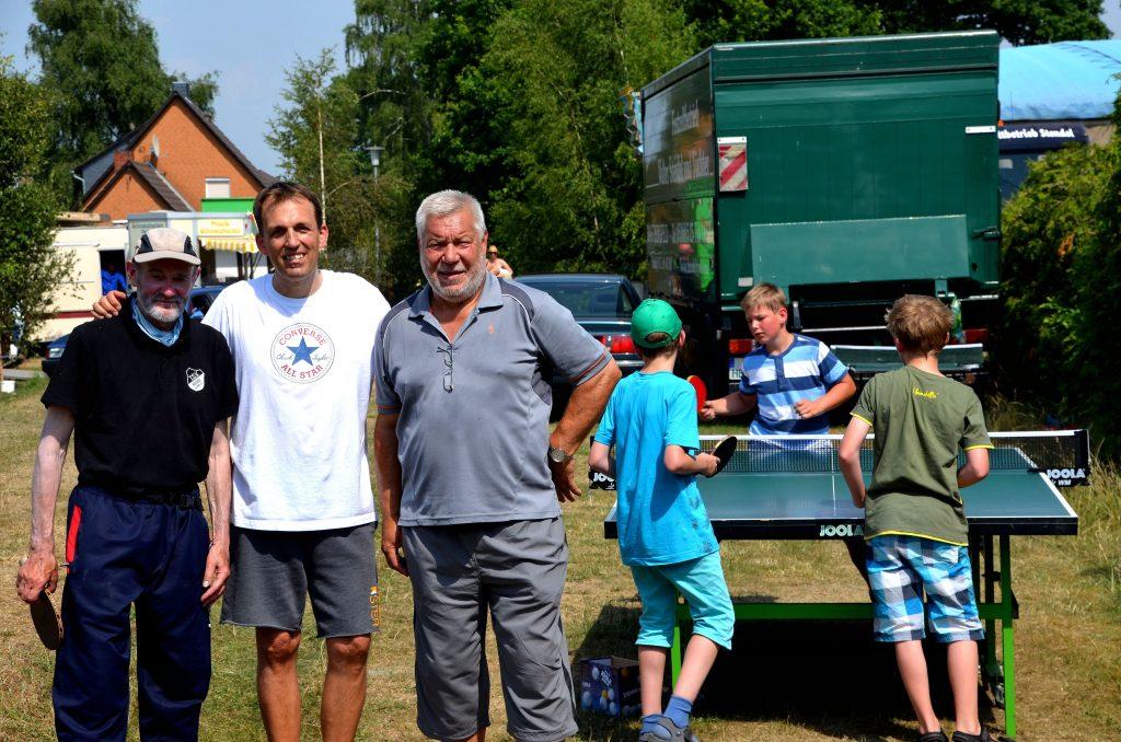 Werner Völtzke/Spartenleiter Tischtennis; Frank Häusler/Spartenleiter Badminton; Rolf Blickwede/Spartenleiter Tennis (v.li.). Bild: fh